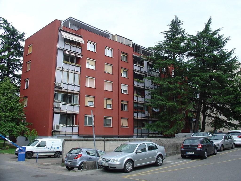 Ulica Gradnikovih brigad 4a in 4b